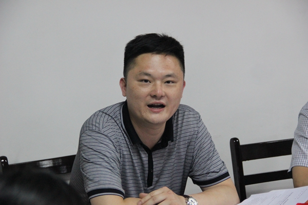 团市委书记彭波对曹晶出席全国第七次少代会表示祝贺,对他履行代表